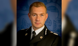 Chief Constable Jeff Farrar has offered voluntary redundancy in Gwent