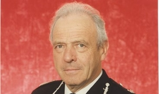 Long-serving chief dies aged 85