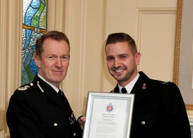 Leigh Valentine (r) with Chief Constable Stephen Kavanagh in 2014
