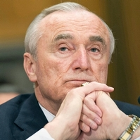 Former NYPD Commissioner is bookies favourite to replace Sir Bernard