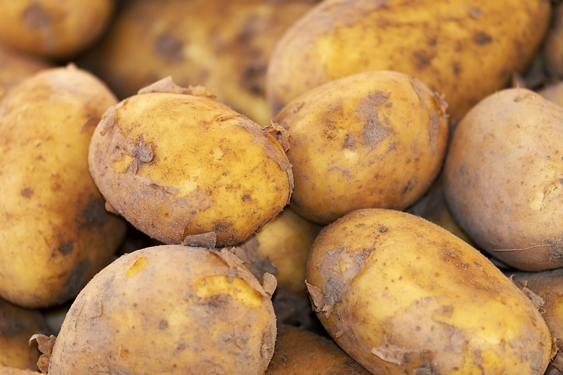 Detectives appeal for man with 'potatoes on his chest'