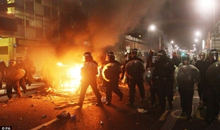 Police will struggle to deal with large scale riots NPCC chief warns