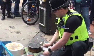 Bobby on the beat wows crowd with street drum solo