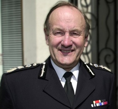 Ex-Met Commissioner: Police Morale 'Worrying'