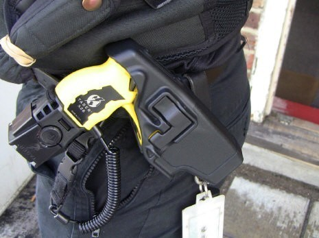 Missing Taser: Officer suspended