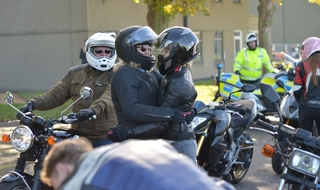 PC Harper's widow leads memorial motorcycle procession