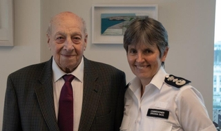 Former Met PC visits New Scotland Yard for 100th birthday