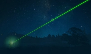 Police given new powers to apprehend 'reckless' laser users