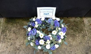 Wreaths Laid In Tribute To Officers