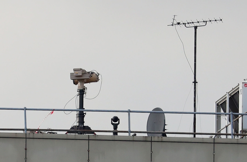 Preparation: Counter drone equipment at Gatwick Airport