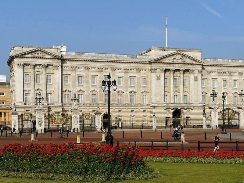 Charging the guard: Royal protection officer Andrew Daly 'lewd' behaviour on Buckingham Palace duty